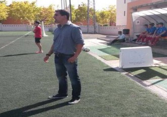 Miguel Domingo entrenador del CD Lécera